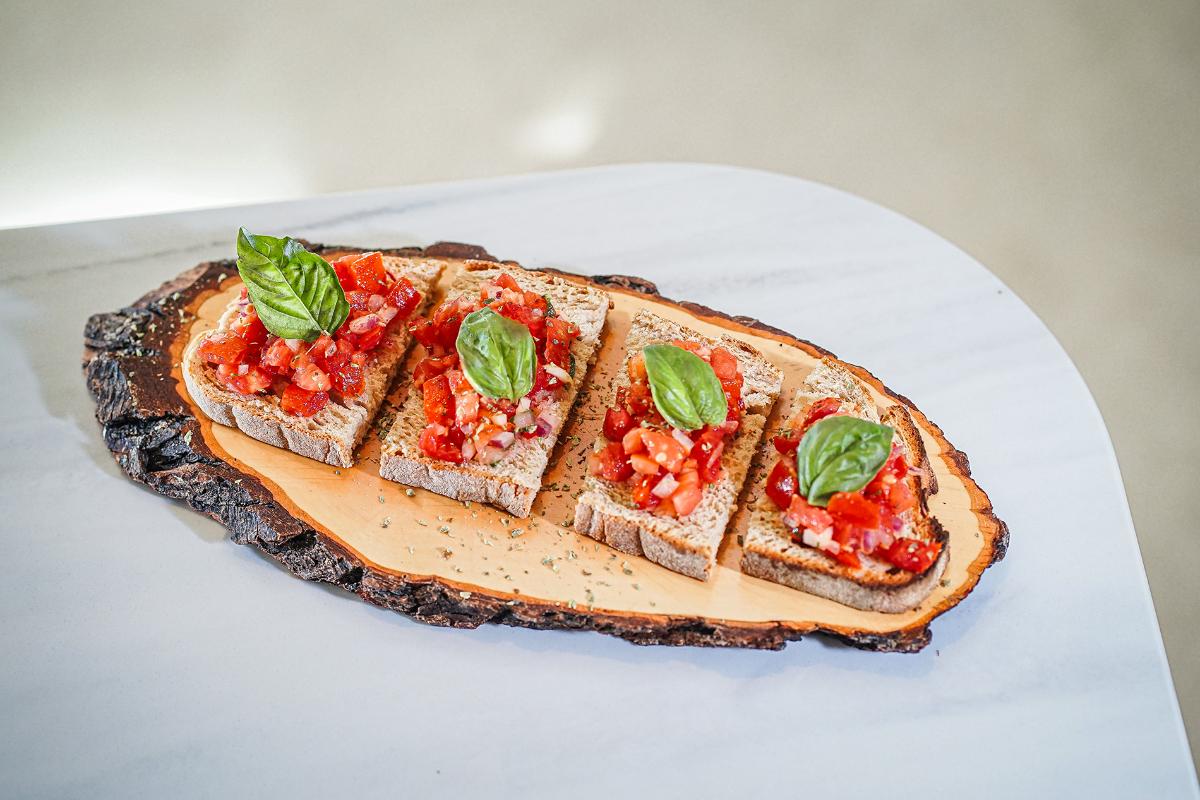 AL LADO Restaurant, Vegan Bruschetta