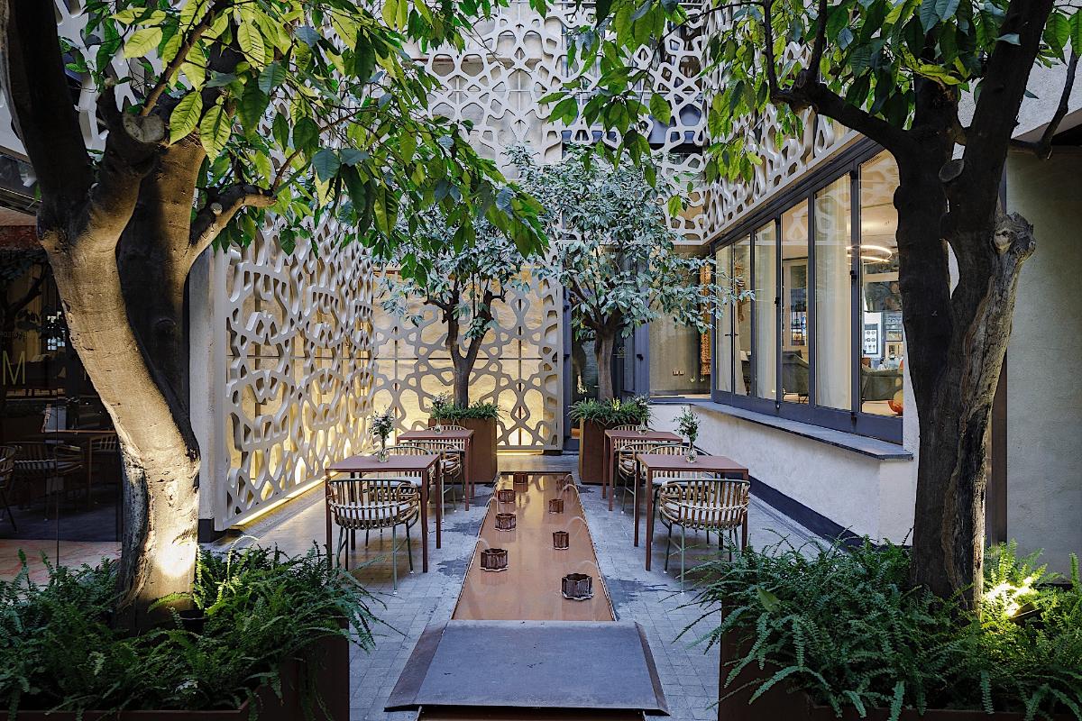 Courtyard EME Catedral Mercer Hotel